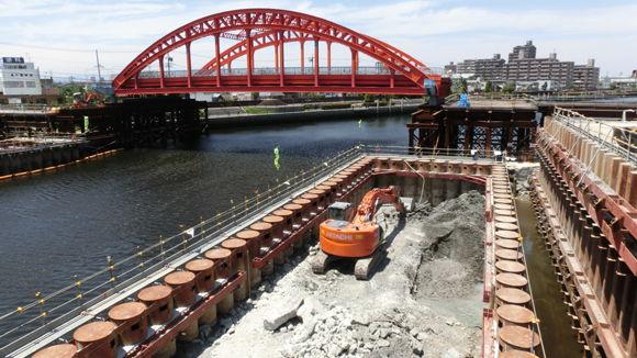 工事中の中川運河の中川橋